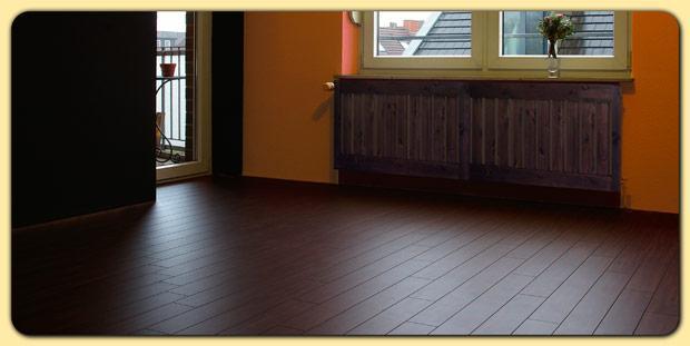 Laminat Wurde Ursprünglich Als Preiswertere Alternative Zum Parkettboden  Entwickelt, Doch Ist Das Bei Weitem Nicht Der Einzige Vorteil, Der Dieses  Material ...